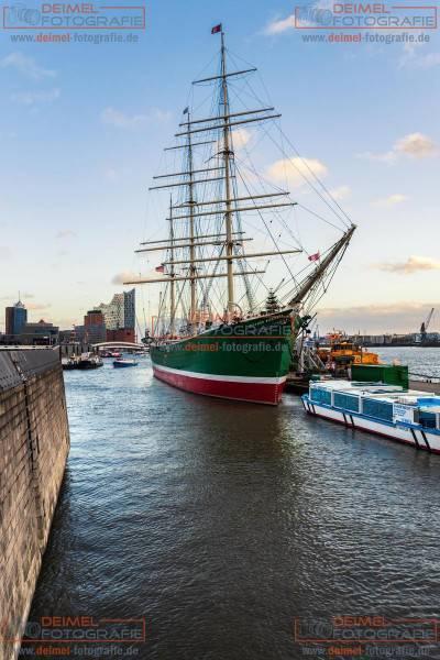 Frachtsegelschiff im Hamburger Hafen